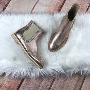 AGL Wingtip Rose Gold Chelsea Ankle Boot Size 9